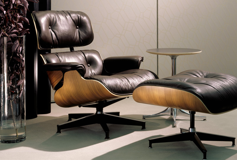 Charles eames lounge chair and ottoman lounge chair for Bauhaus eames chair